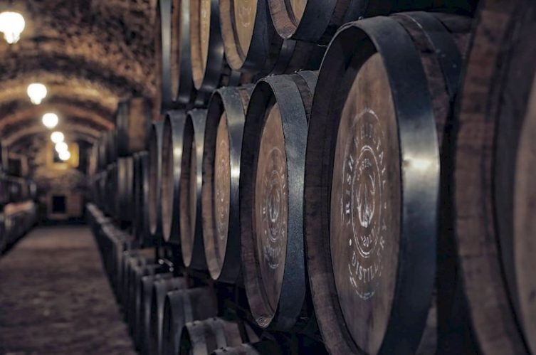 Irish Whiskey Magazine - Irish Whitetail Distillery - Casks