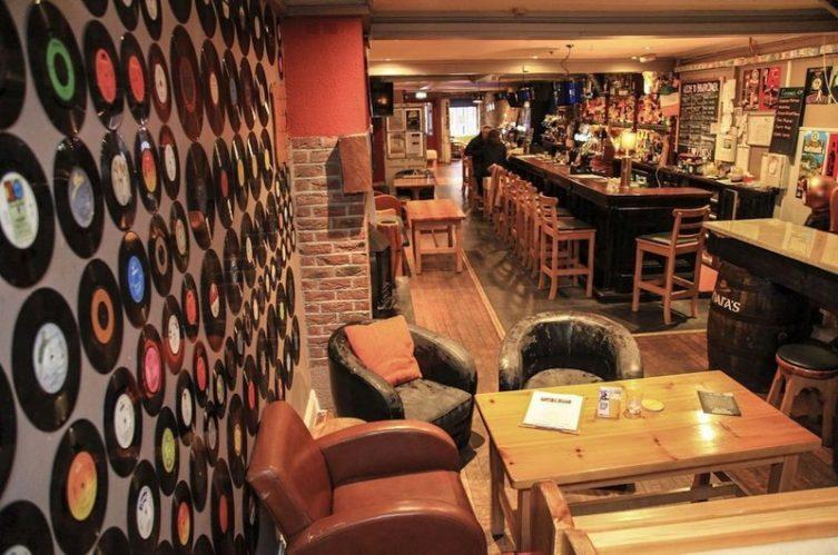 Irish Whiskey Magazine - Whiskey Bars - Brewery Corner (2)