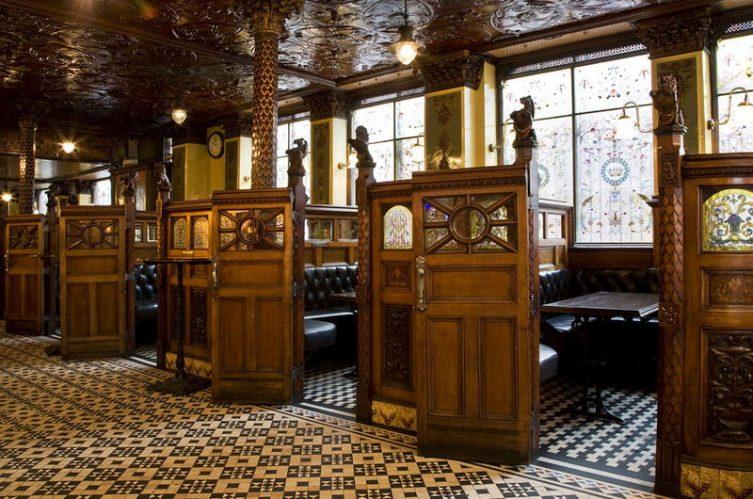 Irish Whiskey Magazine - Whiskey Bars - Crown Liqour Rooms 4