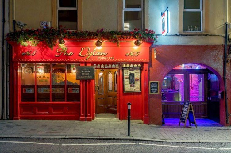 Irish Whiskey Magazine - Whiskey Bars - Dylan Whiskey Bar (2)