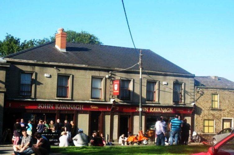 Irish Whiskey Magazine - Whiskey Bars - John Kavanagh - Gravediggers 3