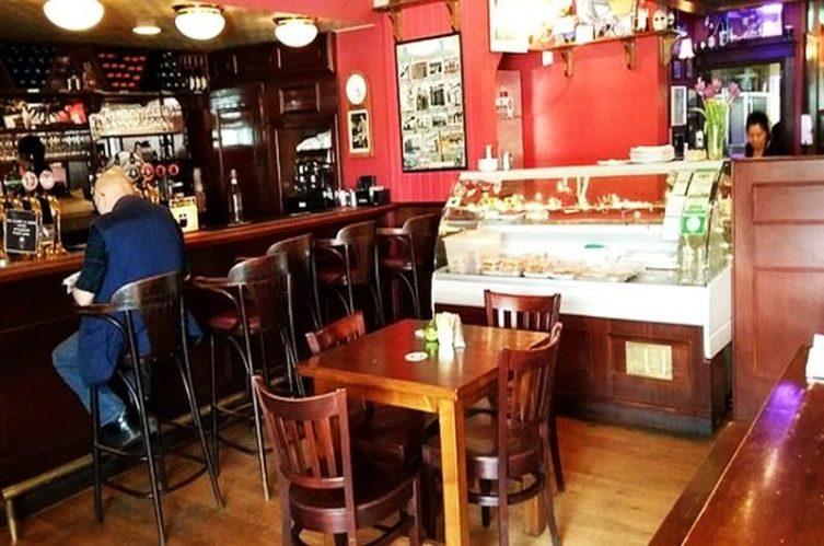 Irish Whiskey Magazine - Whiskey Bars - John Kavanagh - Gravediggers 4