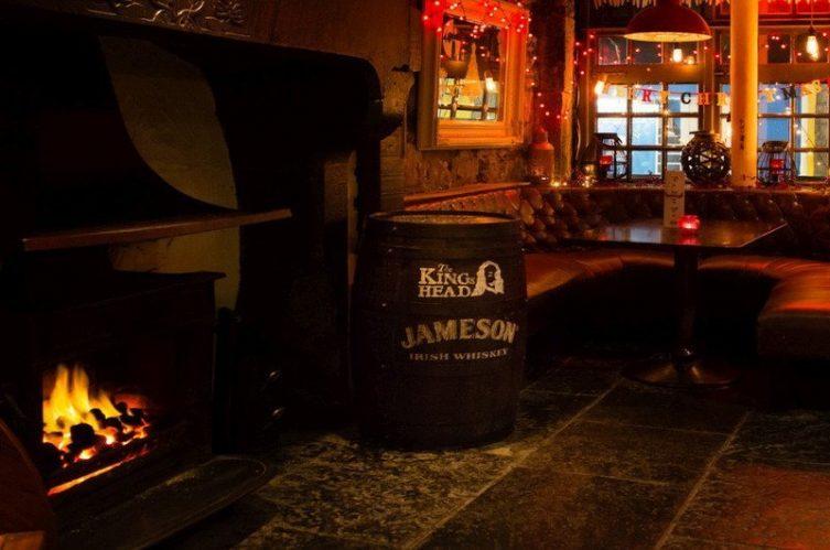 Irish Whiskey Magazine - Whiskey Bars - Kings Head (1)