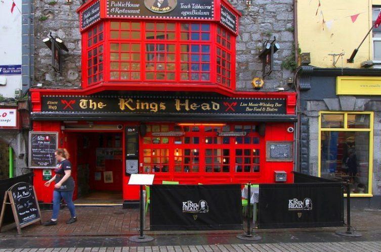 Irish Whiskey Magazine - Whiskey Bars - Kings Head (2)