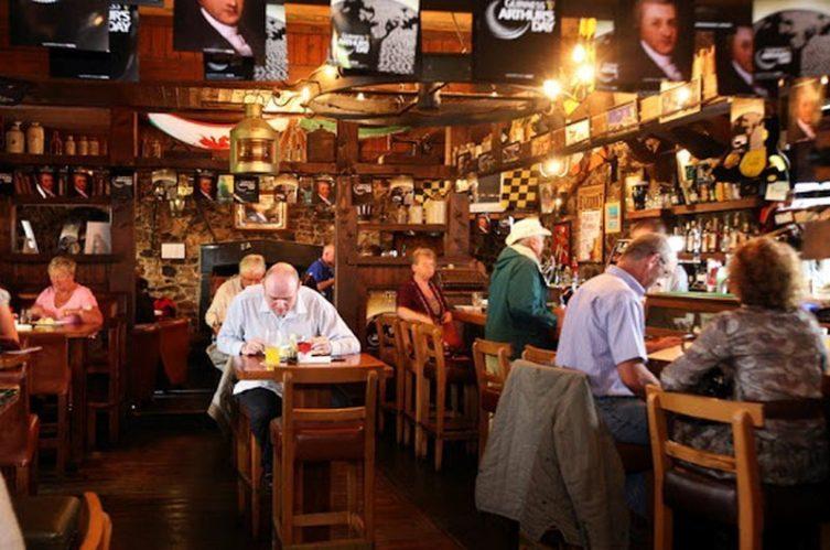 Irish Whiskey Magazine - Whiskey Bars - Kytelers Inn 2