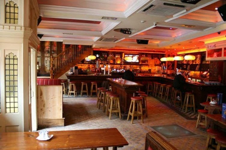 Irish Whiskey Magazine - Whiskey Bars - Lanigans (2)
