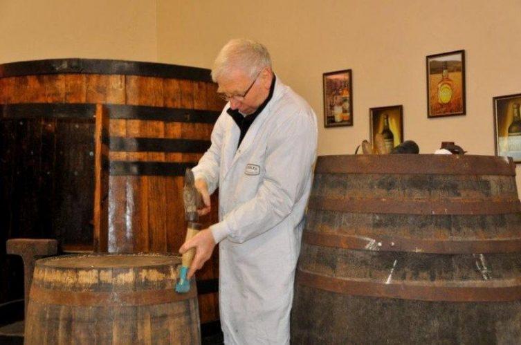 Irish Whiskey Magazine - Whiskey Bars - Martin's Pub & Cooley Whiskey Bar 3