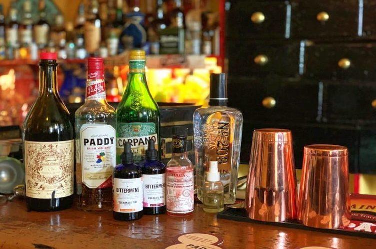 Irish Whiskey Magazine - Whiskey Bars - O'Lochlainns Bar 2
