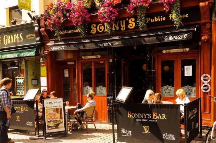 Irish Whiskey Magazine - Whiskey Bars - Sonny Mollys (1)