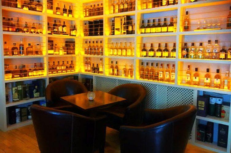 Irish Whiskey Magazine - Whiskey Bars - The Airport View Hotel 4