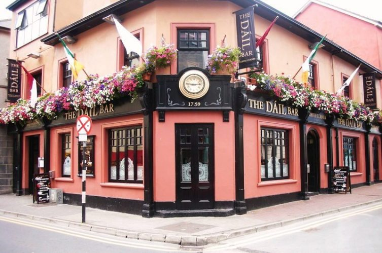 Irish Whiskey Magazine - Whiskey Bars - The Dail Bar (1)