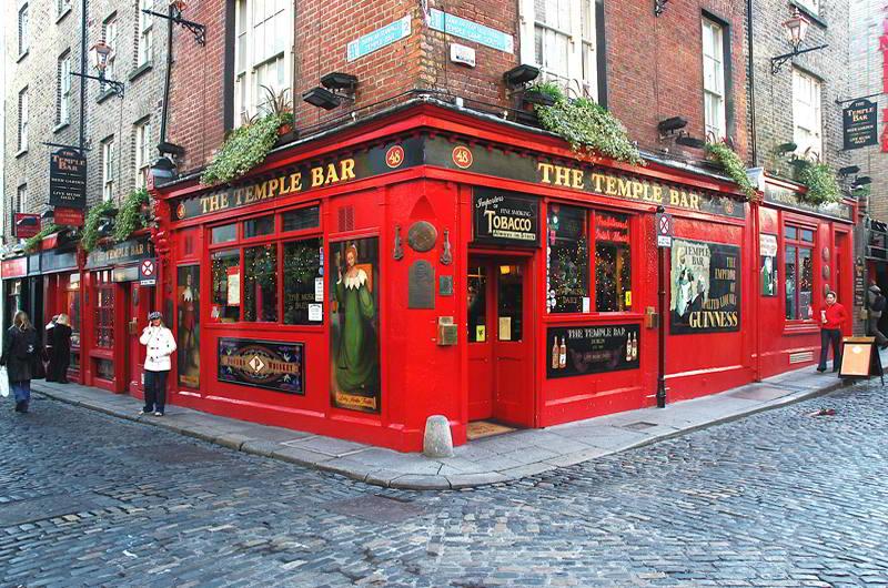 Irish Whiskey Magazine - Whiskey Bars - The Temple bar 2