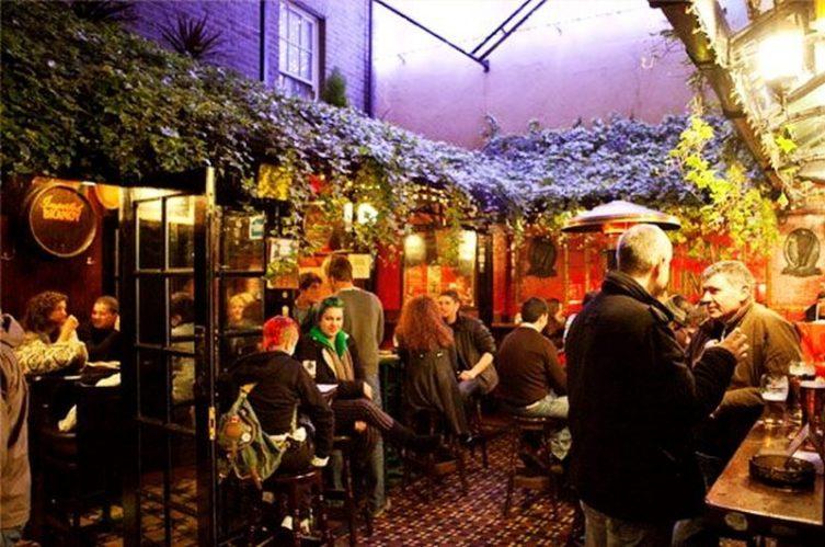 Irish Whiskey Magazine - Whiskey Bars - The Temple bar 3