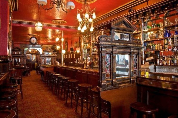 Irish Whiskey Magazine - Whiskey Bars - The long Hall (1)
