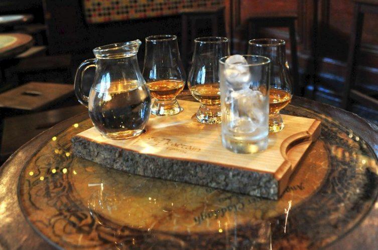 Irish Whiskey Magazine - Whiskey Bars - Tign Neachtains (1)